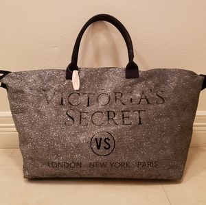 SOLD! SOLD! SOLD! VS Fashion Show Tote